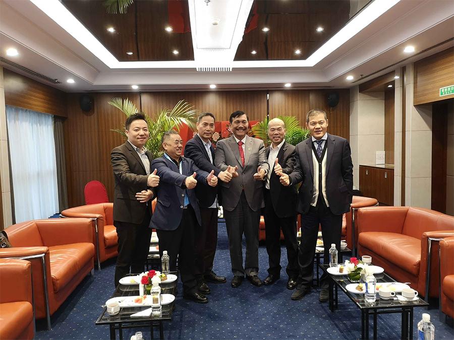 印度尼西亚海事统筹部长卢虎特先生会见陈雪华董事长